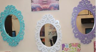 Picture of Oval mirror